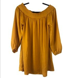Forever 21 yellows 3/4 sleeve size small top